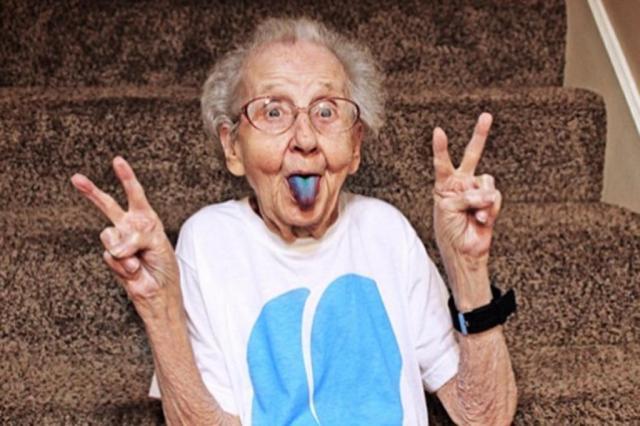 фото бабушки бесплатно