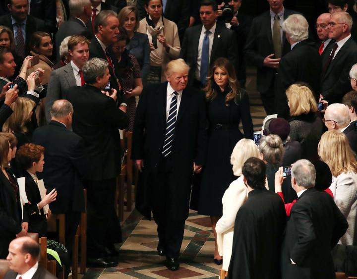 Первый рабочий день президент Трамп начал с посещения церкви