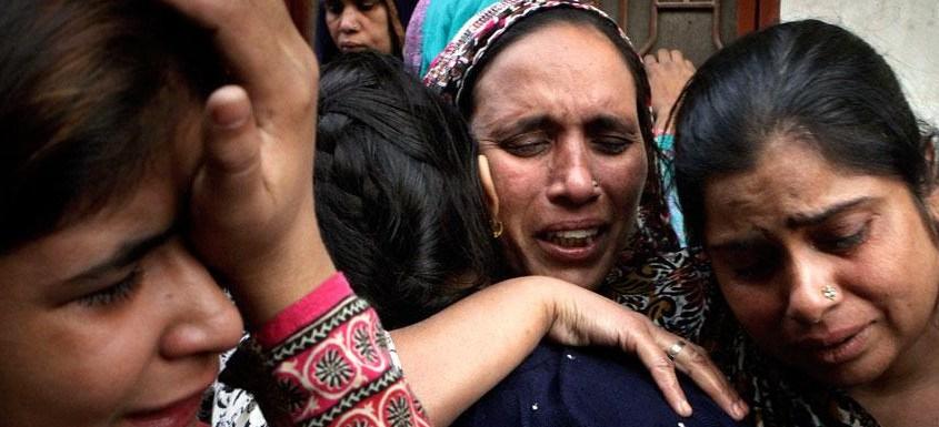 В Индии христианскую пару поместили в ледяной пруд из-за отказа отречься от Иисуса